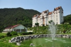 White Castle Resort voted 8th best hotel in Gangneung